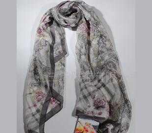 100%桑蚕丝金线孔雀纹薄长巾WJ052-0101