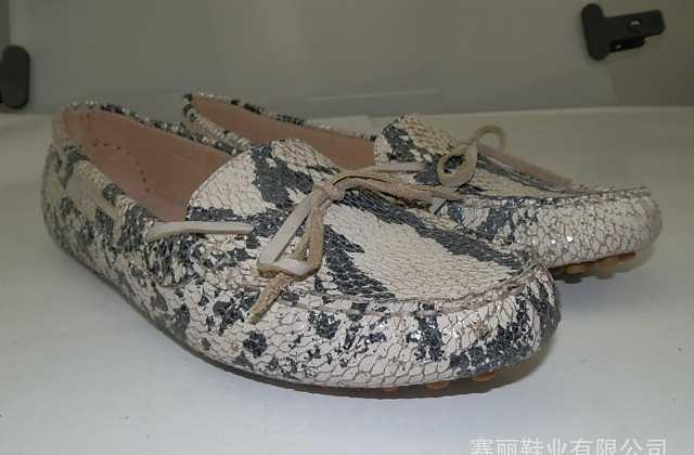 2012春秋款蛇纹牛皮猪皮内里豆豆鞋tods版时尚糖果色休闲女鞋