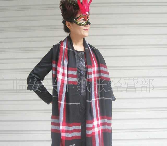 厂家直销批发价供应出口外贸格子多用围巾披肩(黑色)