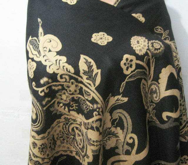 2011最新款金丝腰果提花披肩围巾呢料披肩承接定单