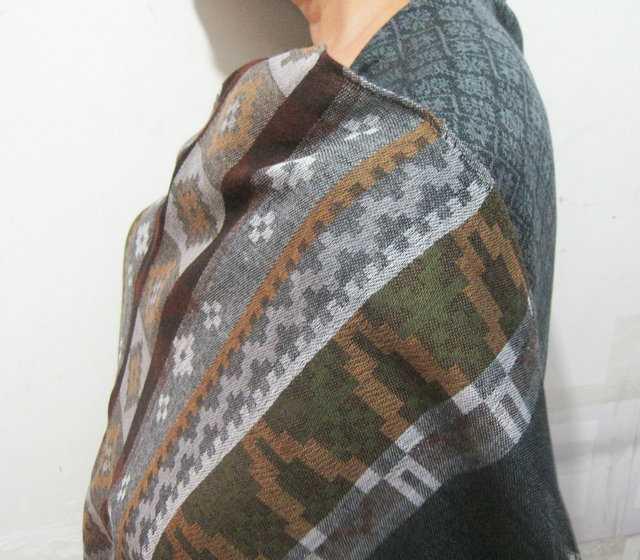 厂家批发外贸定单独特宝塔纹冬季披肩围巾丝巾披肩