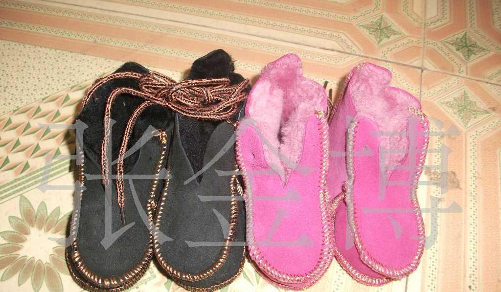 供应进口澳羊皮整皮机缝皮毛一体童鞋 羊毛一体雪地靴