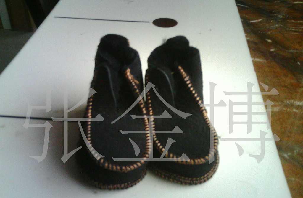 供应进口澳羊皮皮毛一体机缝童鞋适合1周岁左右宝宝鞋
