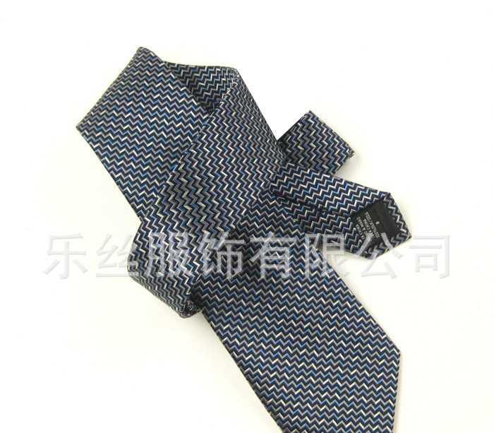 供应各种新款时尚真丝提花领带----价格优惠