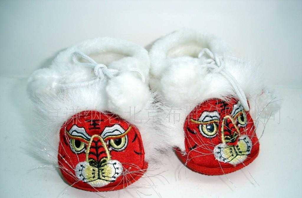 批发供应老北京手工布鞋 婴儿软棉虎头鞋