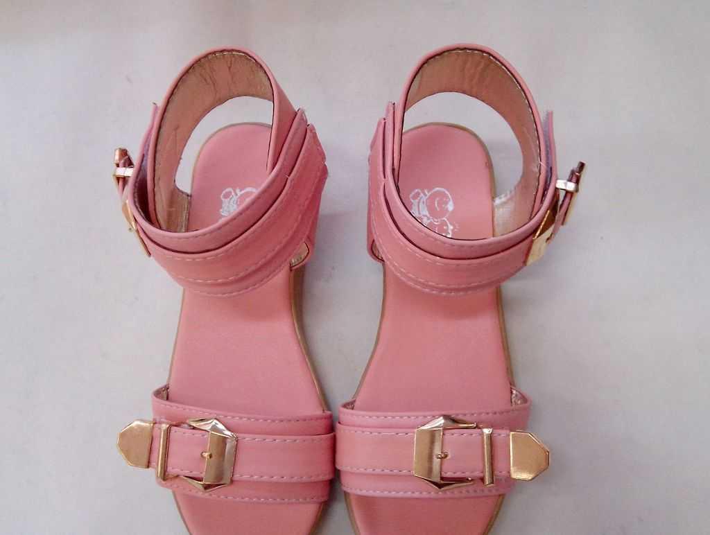 厂家直供-超流行热销款金属 搭扣 爆销款   32-37   大童女凉鞋