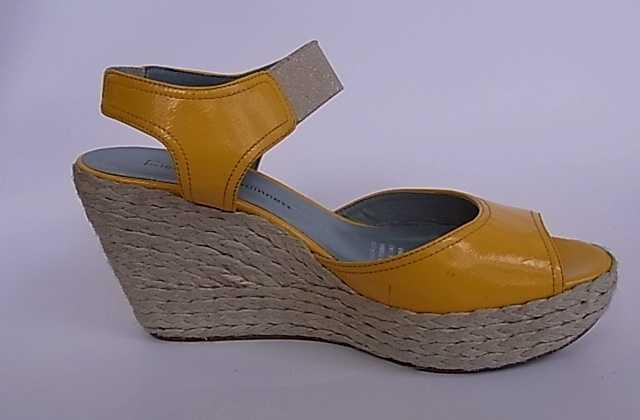 加工订单 女鞋开发 样品 量产成品女鞋
