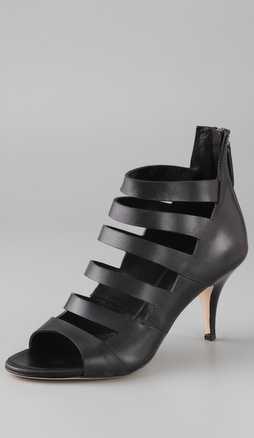 供应新款欧美小牛皮时装凉鞋 工厂订单生产 可贴牌生产
