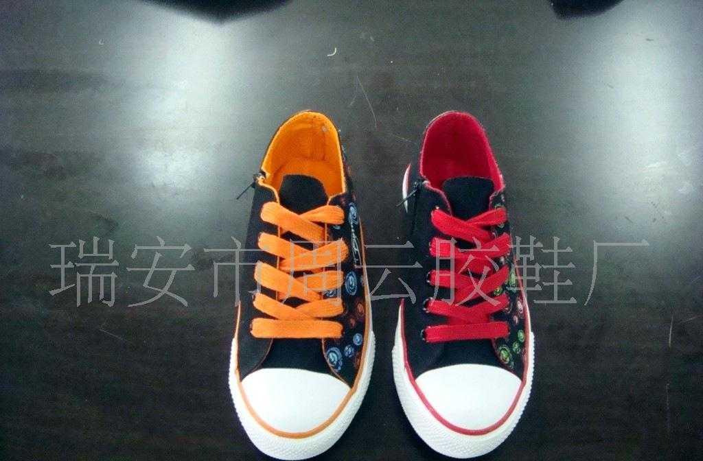 供应外贸童鞋(图)
