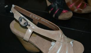 外贸原单时装真皮凉鞋拖鞋 精品QC鞋