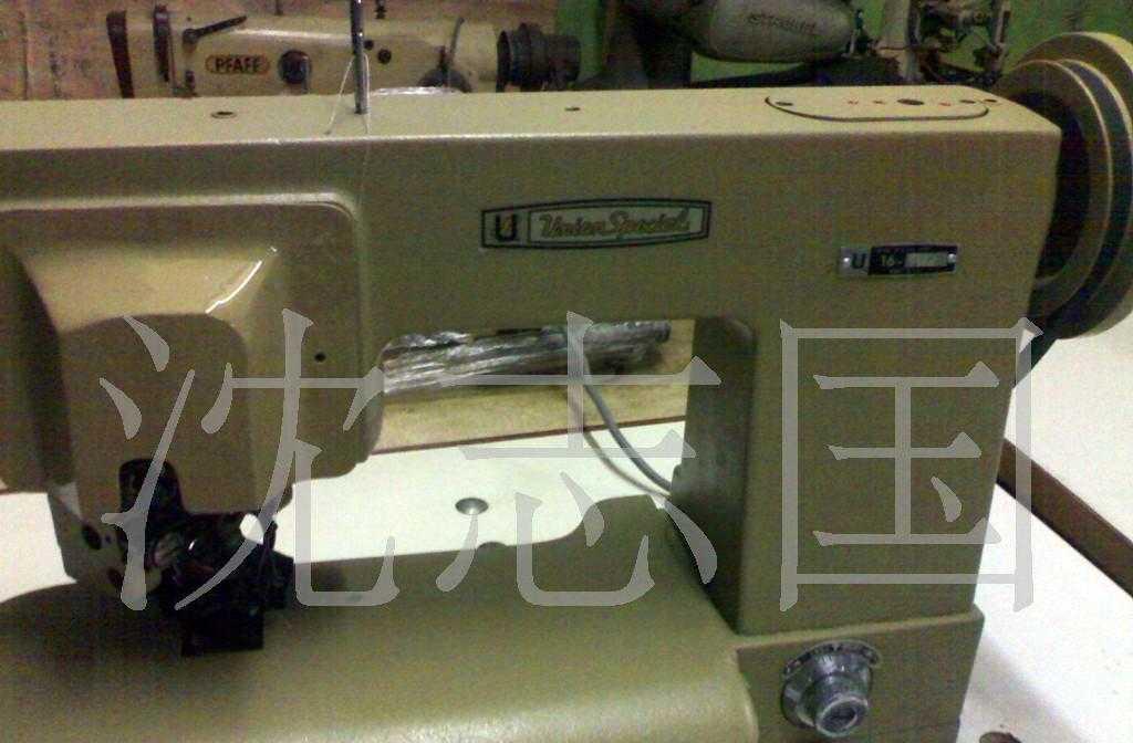 供应二手美国进口於仁工业用服装缝纫设备西服撬领底机。