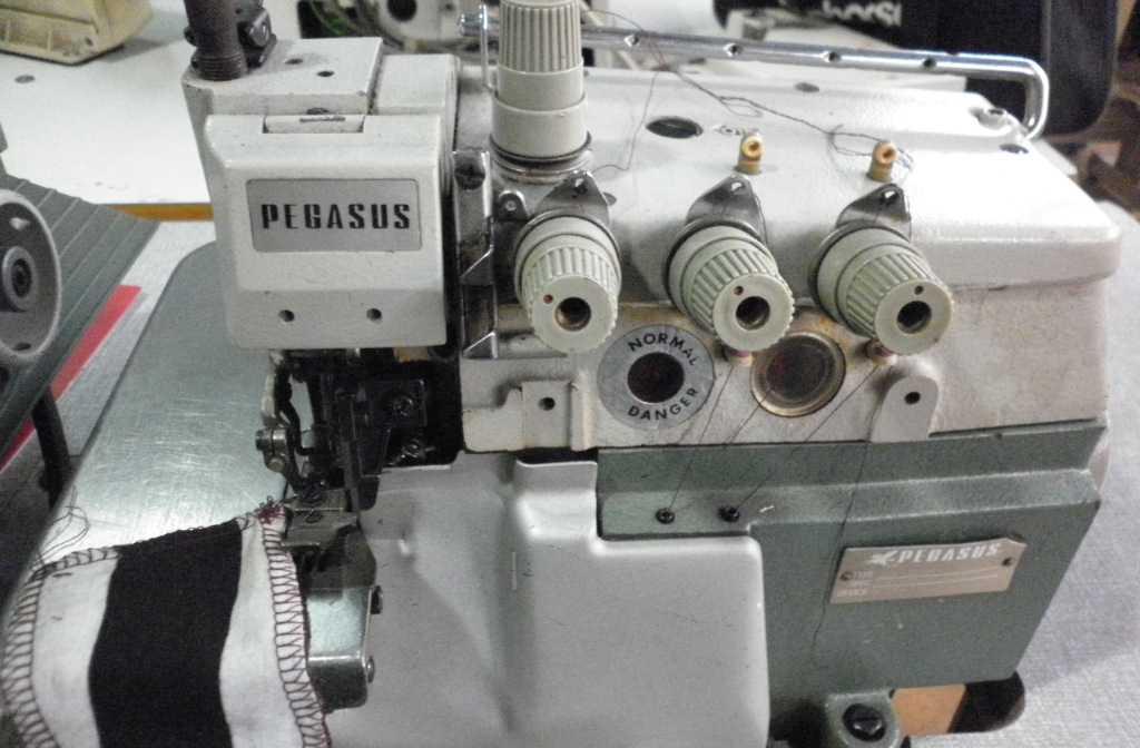 飞马E52自动剪线包缝机,打边车,钑骨车,包边机