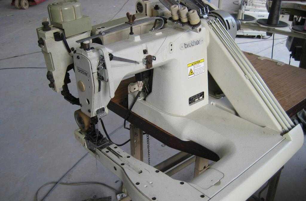 出售日本兄弟B928埋夹机(带拖布轮)