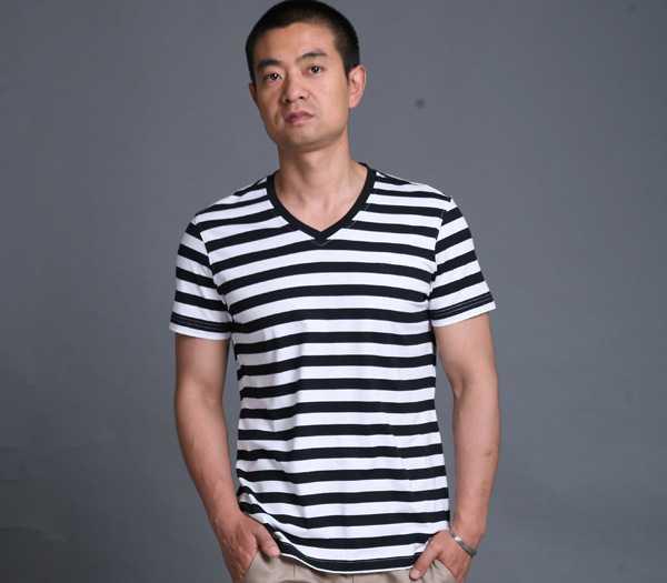 厂家直供2012黑白条纹男款T恤 男式纯棉短袖 品牌男装招商加盟