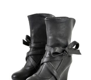 2011年 冬季台湾街头流行绑带蝴蝶结坡跟短靴,供应黄色 黑色