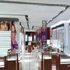 专业设计制作各种服装展柜、化妆品展柜、珠宝展柜等feflaewafe