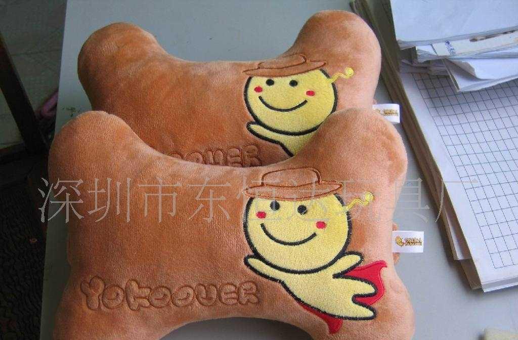 深圳市东恒达玩具厂卡通抱枕头枕颈枕靠垫抱枕靠枕腰枕加工