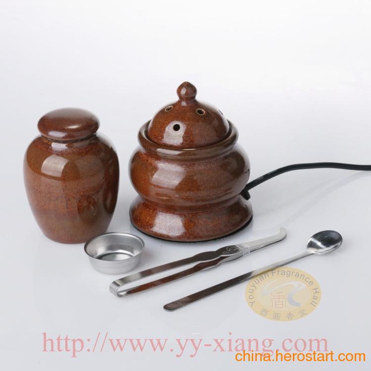 供应精致小雅型车上用台湾陶瓷电子香炉