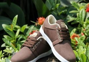 夏季韩版休闲鞋时尚潮流男鞋低帮透气鞋子英伦风板鞋供应批发