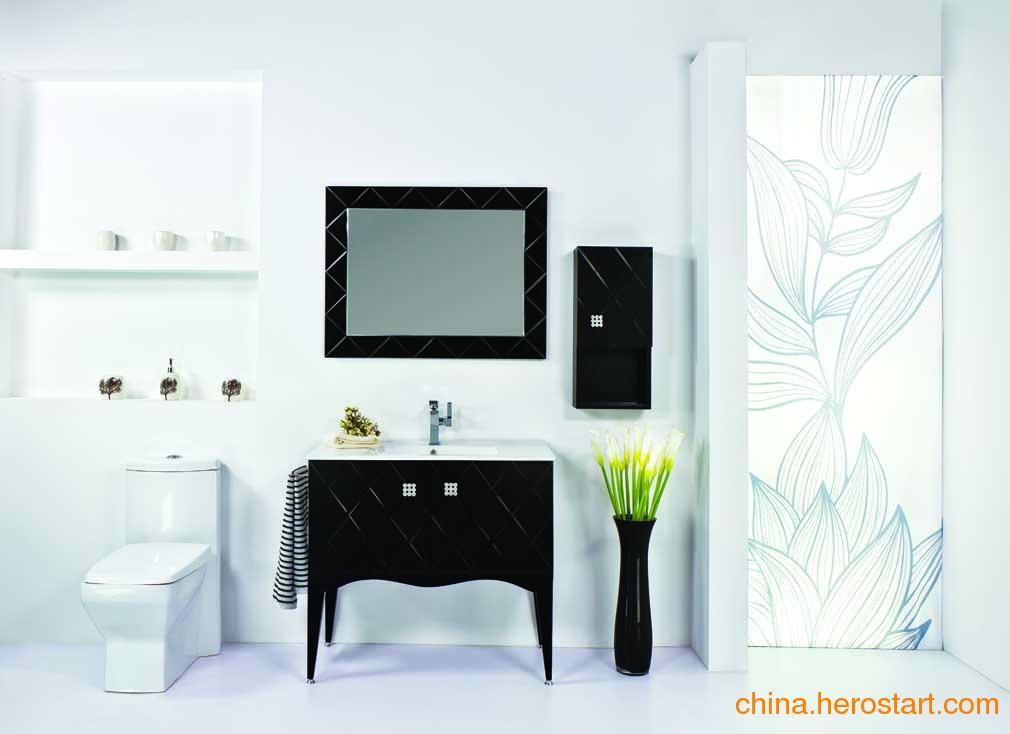 供应佛山卫浴昊沃木框浴室镜柜H91204