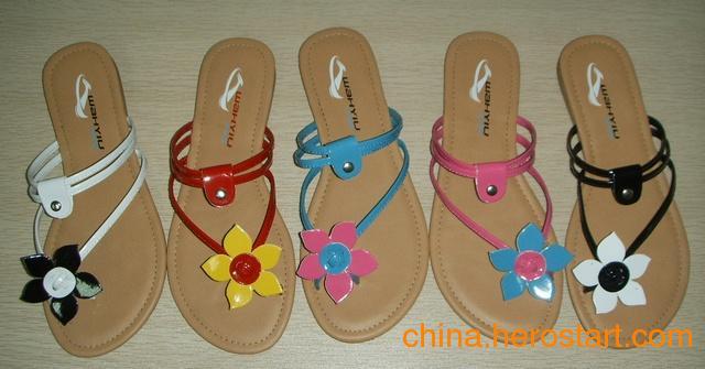 供应沙滩拖鞋