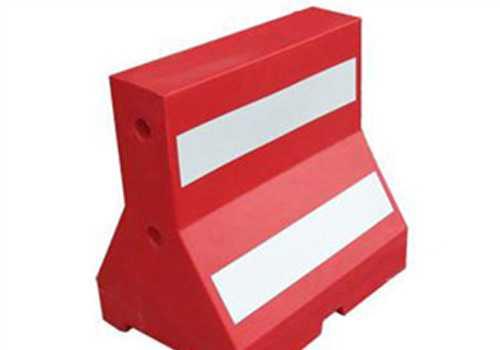 公路防撞栏代加工、滚塑制品代加工、滚塑模具开模、滚塑设备